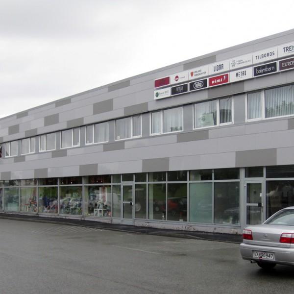Libra-Kjøpesenter---Ny-fasade-på-eksisterende-bygg