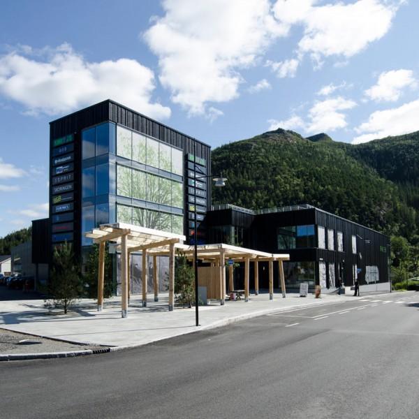 Parken-Kjøpesenter-sett-fra-Åfjord-Torg