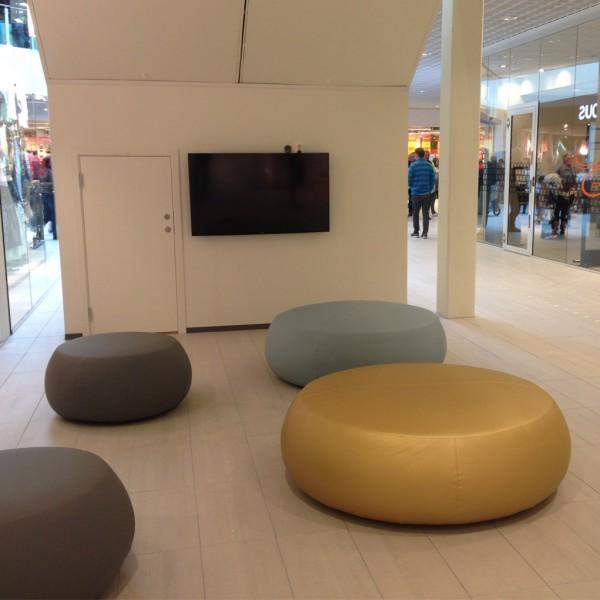 Libra-Kjøpesenter---Barnekrok-under-rulletrappen