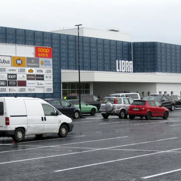 Libra-Kjøpesenter---Fasade-mot-parkeringsplass